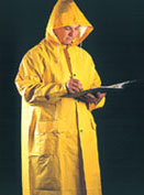 Abrigo o chaqueta en P.V.C. Con capucha