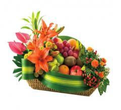 Arreglo flores con frutas