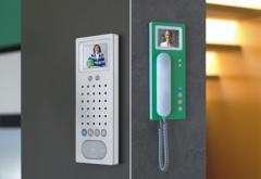 Sistema de intercomunicacion de seguridad para ventanillas