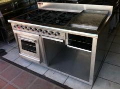 Cocina de 6 quemadores con plancha, gratinador y