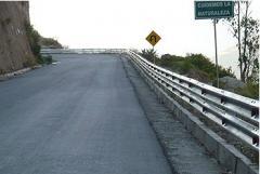 Productos de seguridad vial : guardavías, postes y