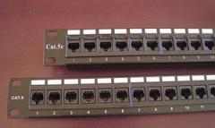 Patch panel 24 puertos RJ45 C5e