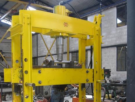 Pedido Diseño y fabricación de maquinaria